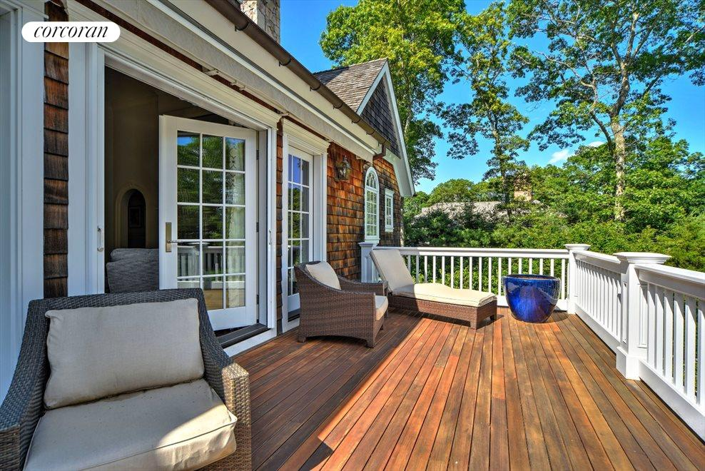 The Hamptons Real Estate | View 42 East Woods Path | room 18