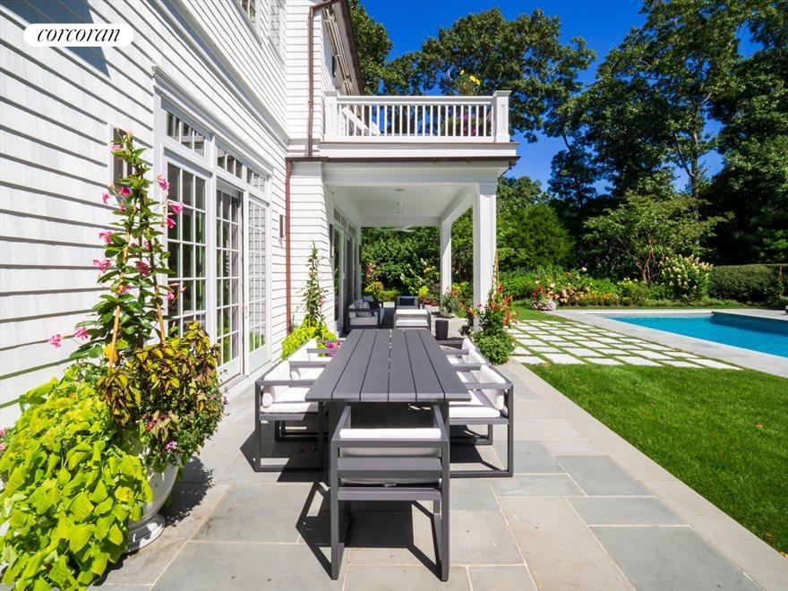 The Hamptons Real Estate | View 42 East Woods Path | room 27