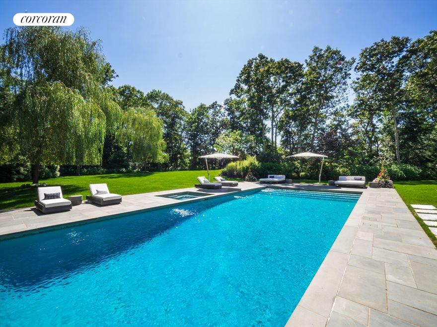 The Hamptons Real Estate | View 42 East Woods Path | room 29