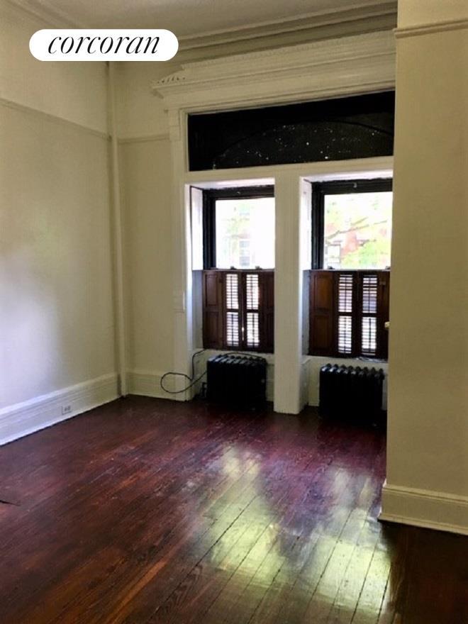 395 Hancock Street Interior Photo