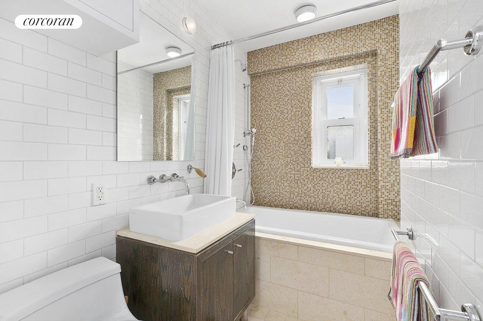 New York City Real Estate | View 201 West 21st Street, #PH14/15 | Guest Bath