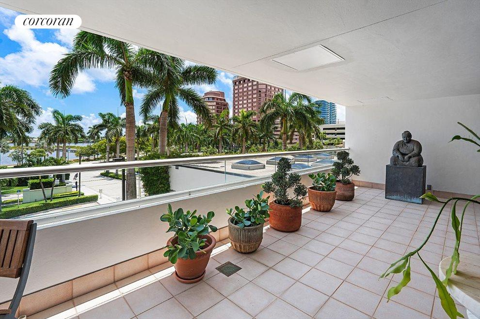 South Florida Real Estate | View 529 South Flagler Drive # Th3e | room 8