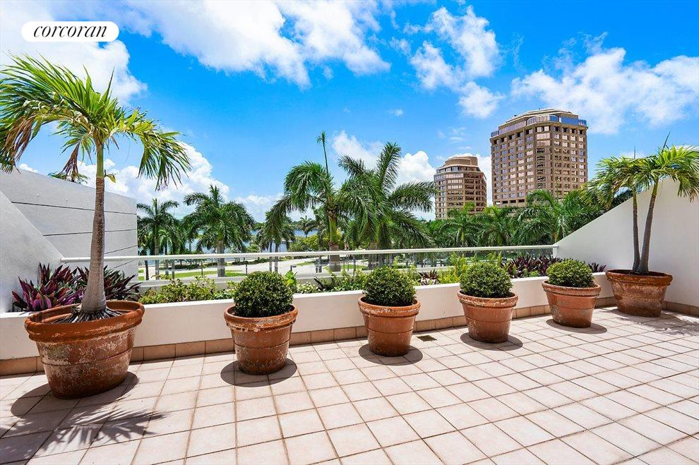 South Florida Real Estate | View 529 South Flagler Drive # Th3e | room 12