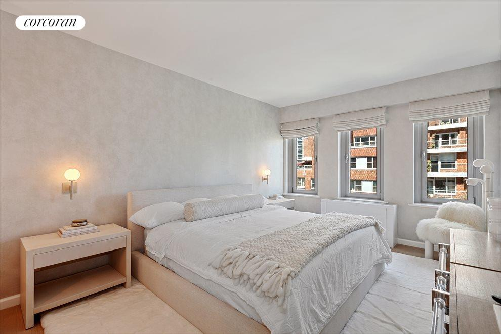 New York City Real Estate | View 200 East 62nd Street, #17B | room 6