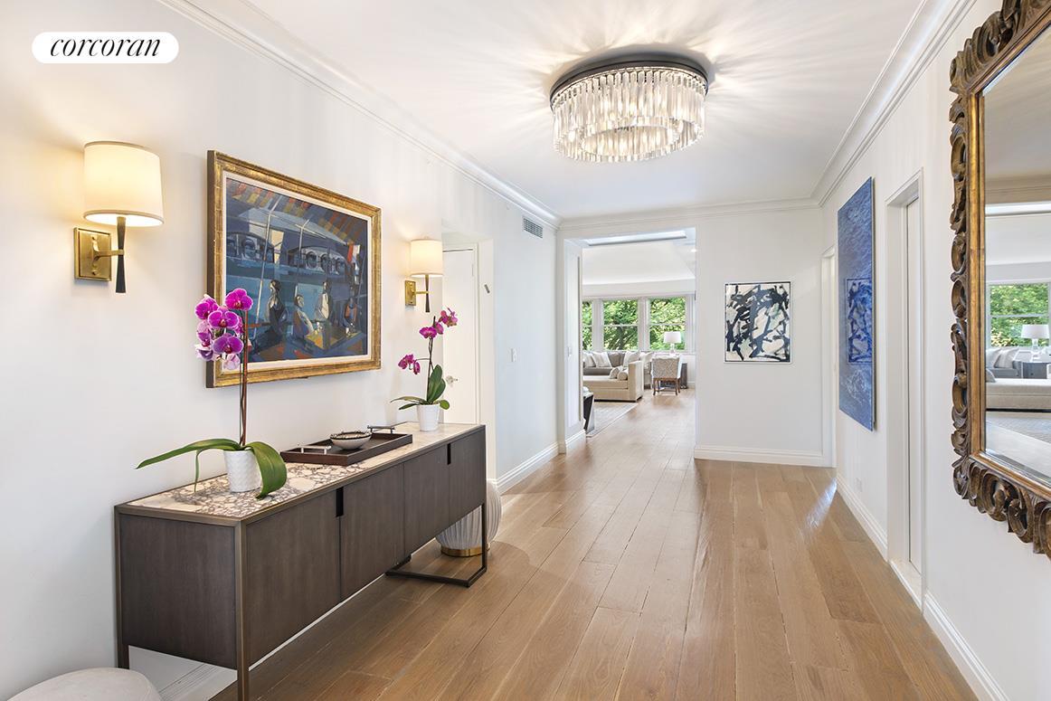 900 Fifth Avenue Interior Photo