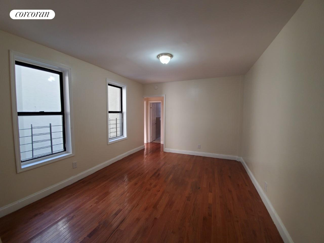 2559 Grand Concourse Interior Photo