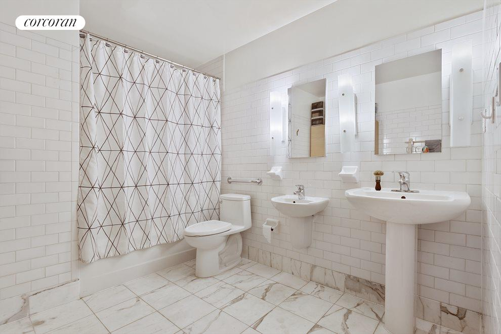 New York City Real Estate | View 19-21 WARREN ST, #3W | En suite Bathroom