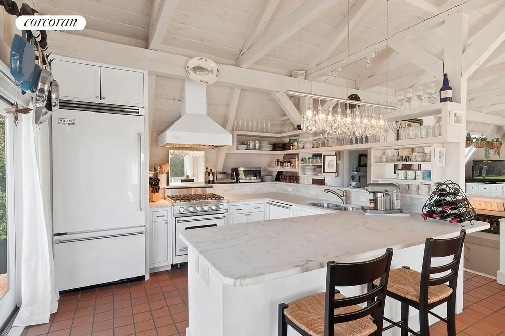 The Hamptons Real Estate | View 1100 Ocean Road | room 4