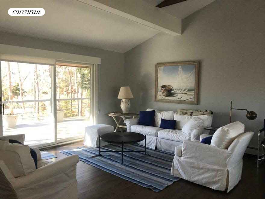 The Hamptons Real Estate | View 33 Peconic Avenue | room 4