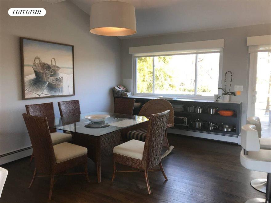 The Hamptons Real Estate | View 33 Peconic Avenue | room 5