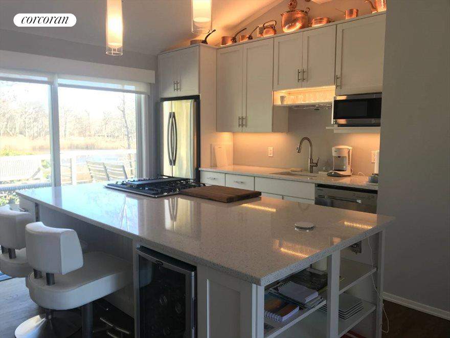 The Hamptons Real Estate | View 33 Peconic Avenue | room 6