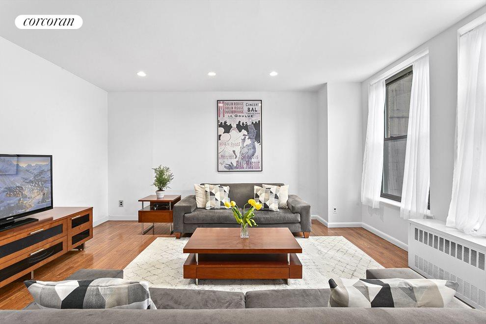 New York City Real Estate | View 75 Livingston Street, #13A | Expansive sunny living room