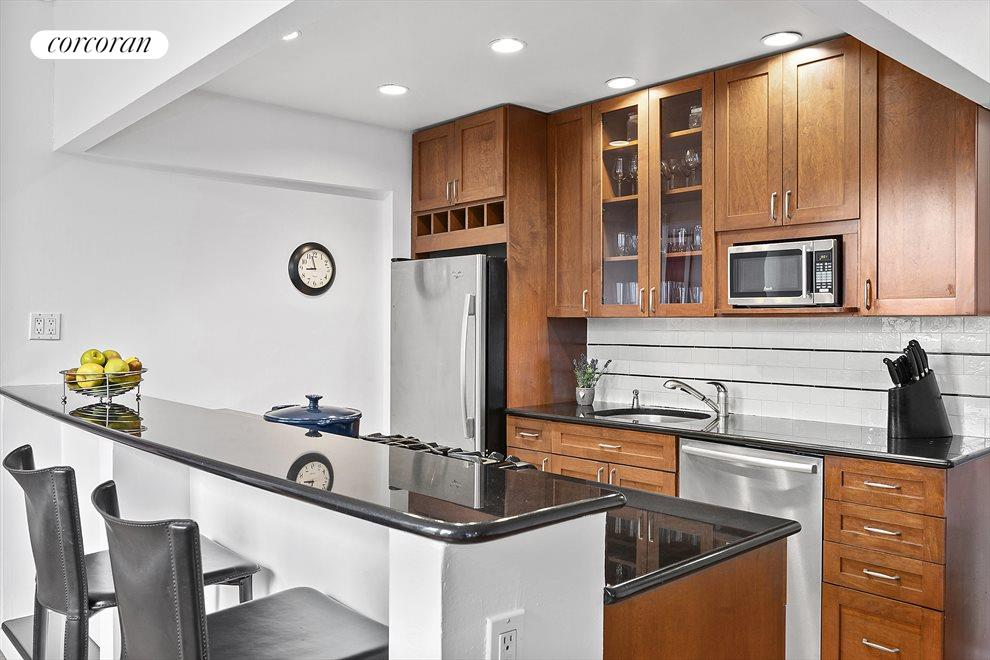 New York City Real Estate | View 75 Livingston Street, #13A | Great place to gather