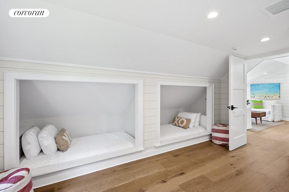 The Hamptons Real Estate | View 19 Newberry Lane | room 8
