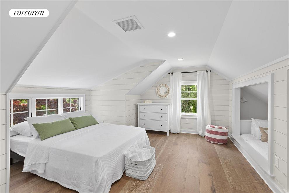 The Hamptons Real Estate | View 19 Newberry Lane | room 10