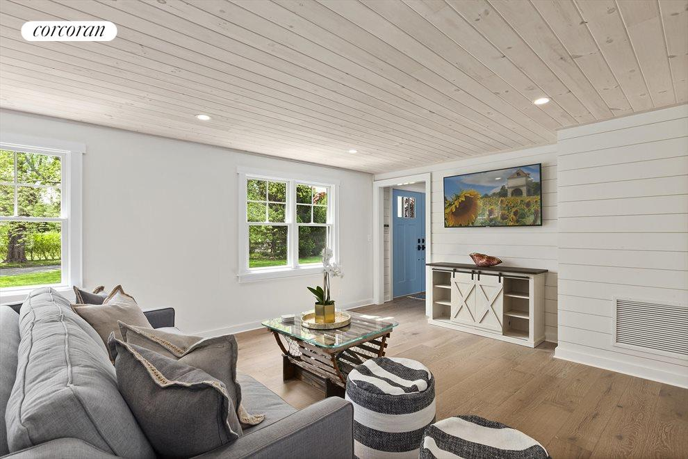 The Hamptons Real Estate | View 19 Newberry Lane | room 16