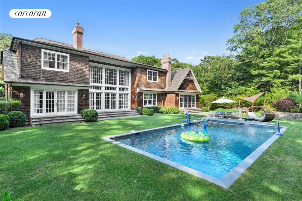 The Hamptons Real Estate | View 206 Bull Path | 8 Beds, 8.5 Baths