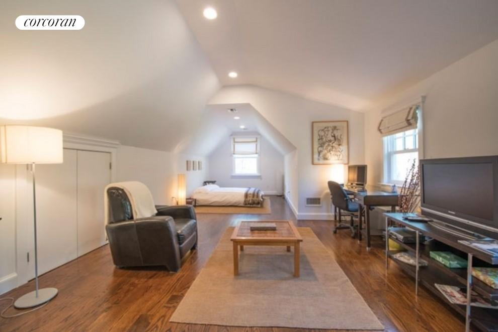 The Hamptons Real Estate | View 206 Bull Path | room 19