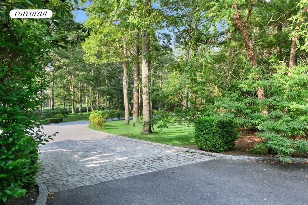 The Hamptons Real Estate | View 206 Bull Path | room 33