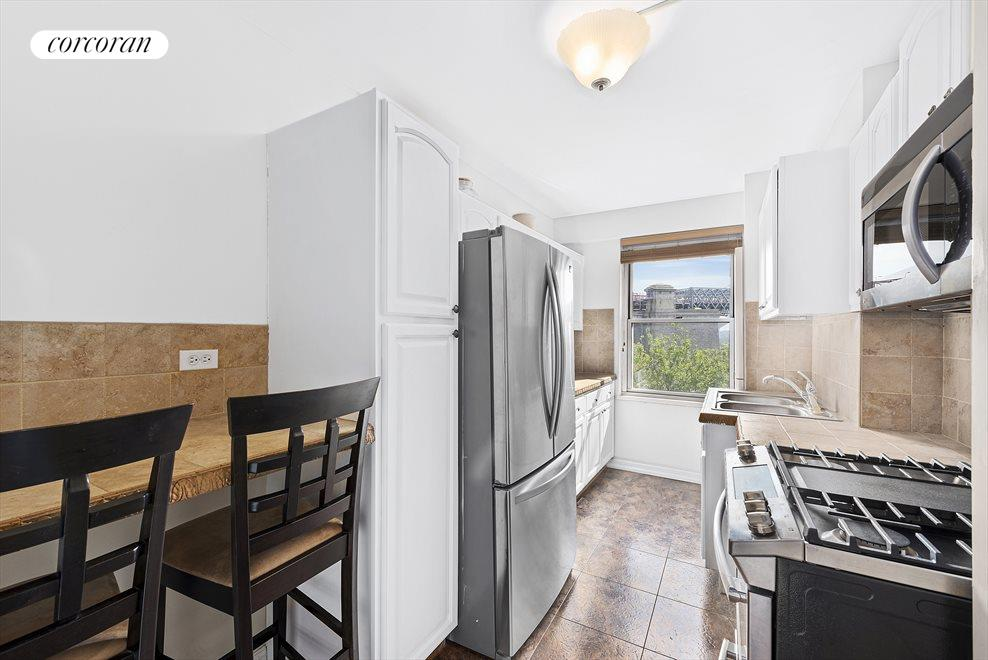New York City Real Estate | View 570 Grand Street, #H601 | room 2