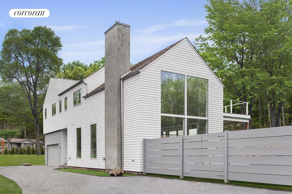 The Hamptons Real Estate | View 11 Walker Avenue | room 24