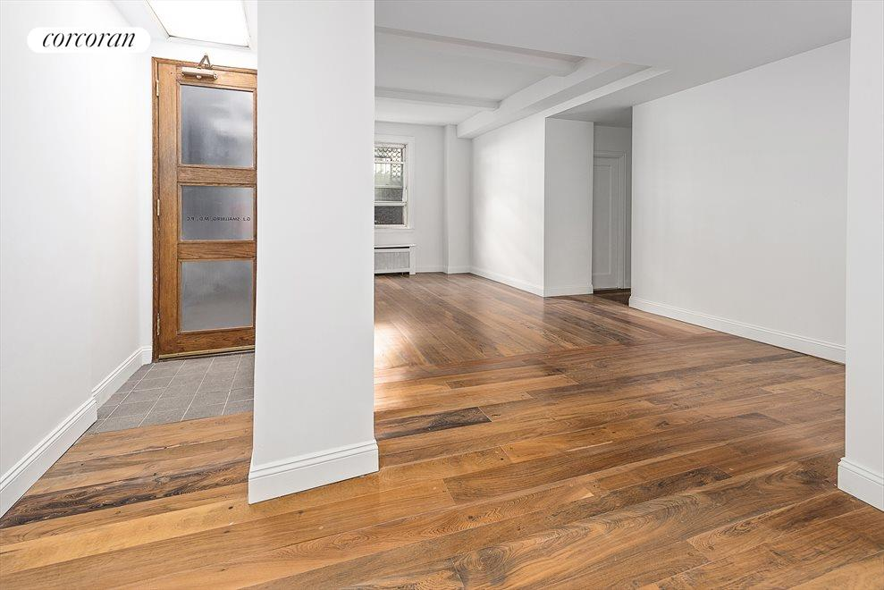 New York City Real Estate | View 1010 Fifth Avenue, #1N | Entry & Open Space