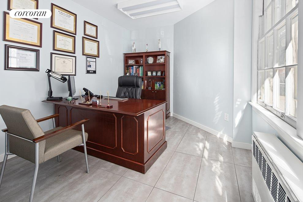 New York City Real Estate | View 130 East 67th Street, #1C | Consult Office 2