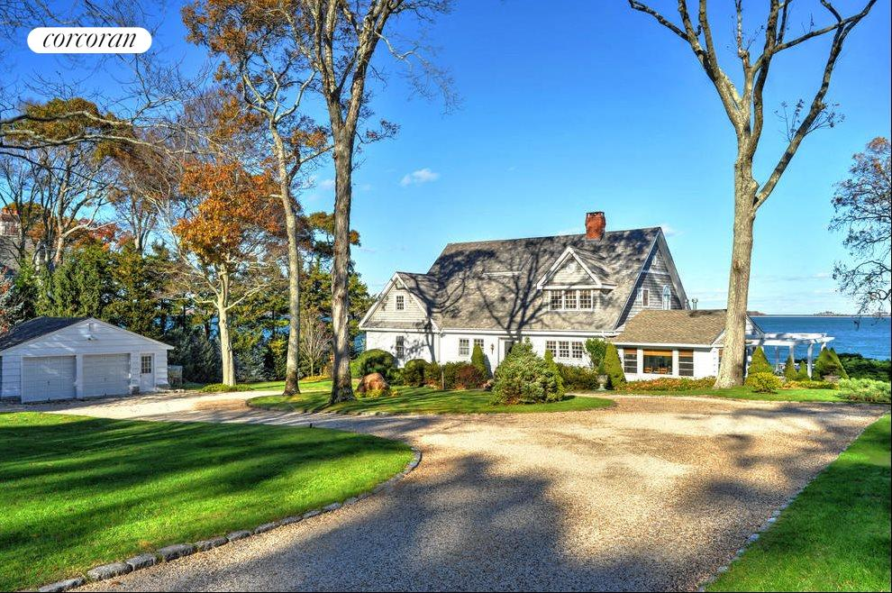 The Hamptons Real Estate | View 48 Forest Road | room 1