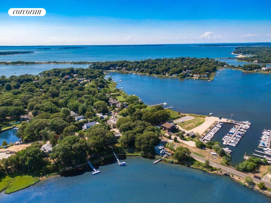 The Hamptons Real Estate | View 41 Redwood Road | room 3