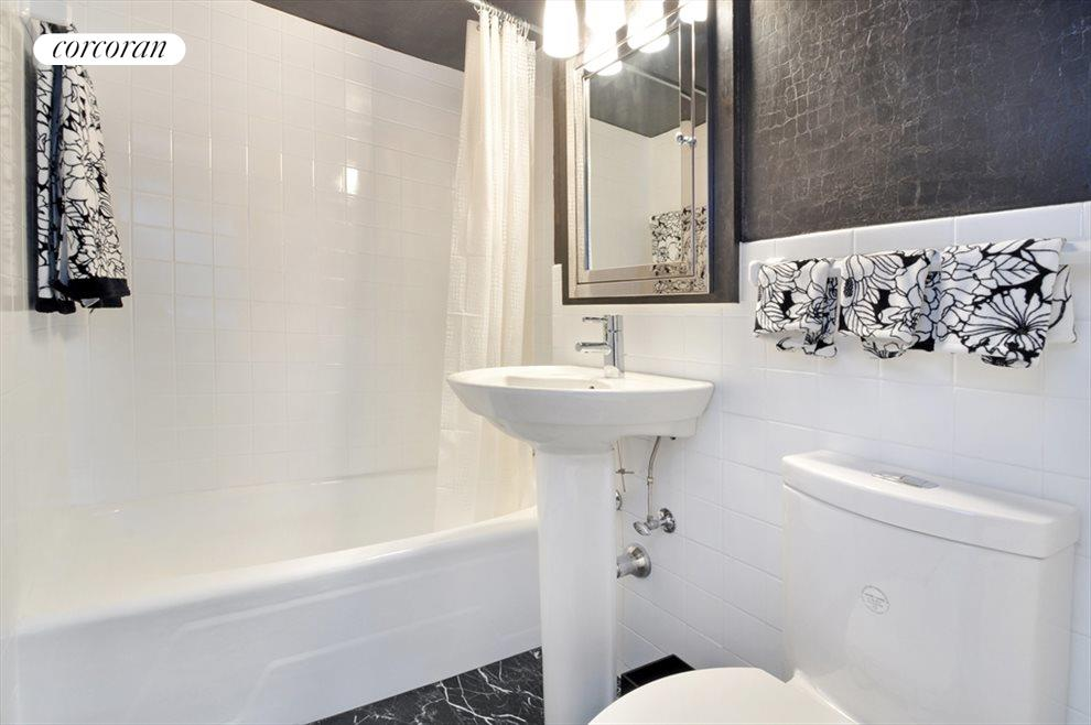 New York City Real Estate | View 225 East 36th Street, #20D | Bathroom