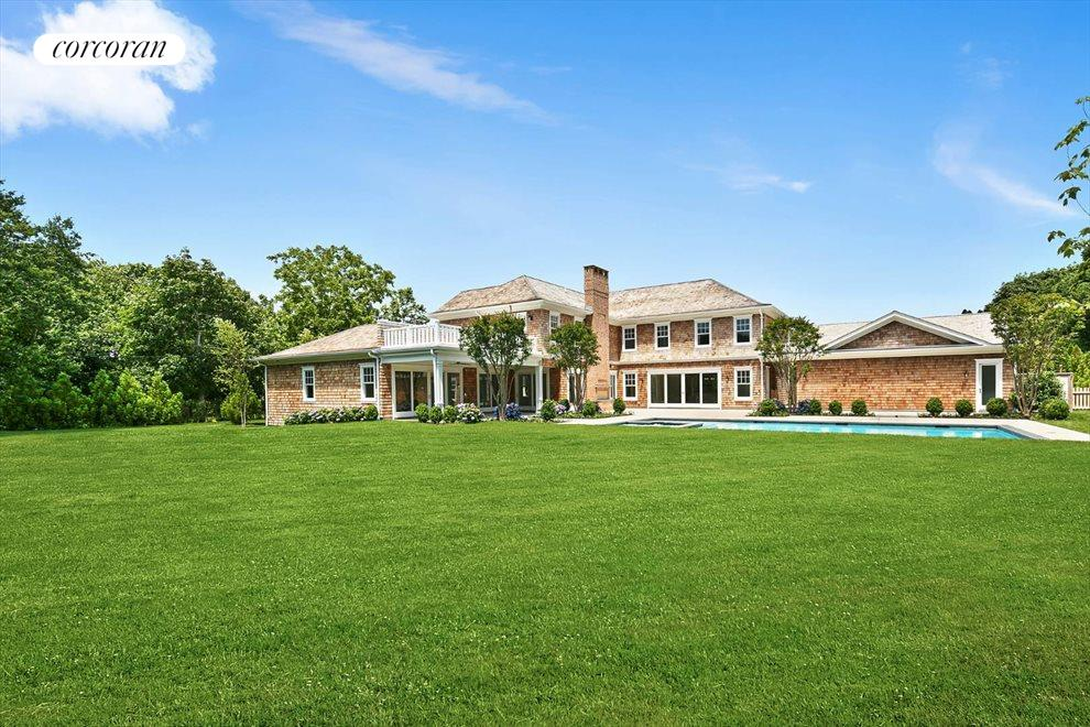 The Hamptons Real Estate | View 96 Leos Lane | Yard