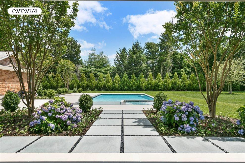The Hamptons Real Estate | View 96 Leos Lane | 1st Floor Grand En-suite View