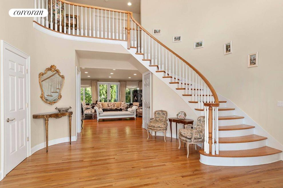 The Hamptons Real Estate | View 15 Parrish Pond Lane | Grand Entryway