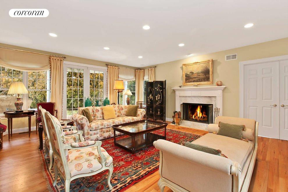 The Hamptons Real Estate | View 15 Parrish Pond Lane | Great Room