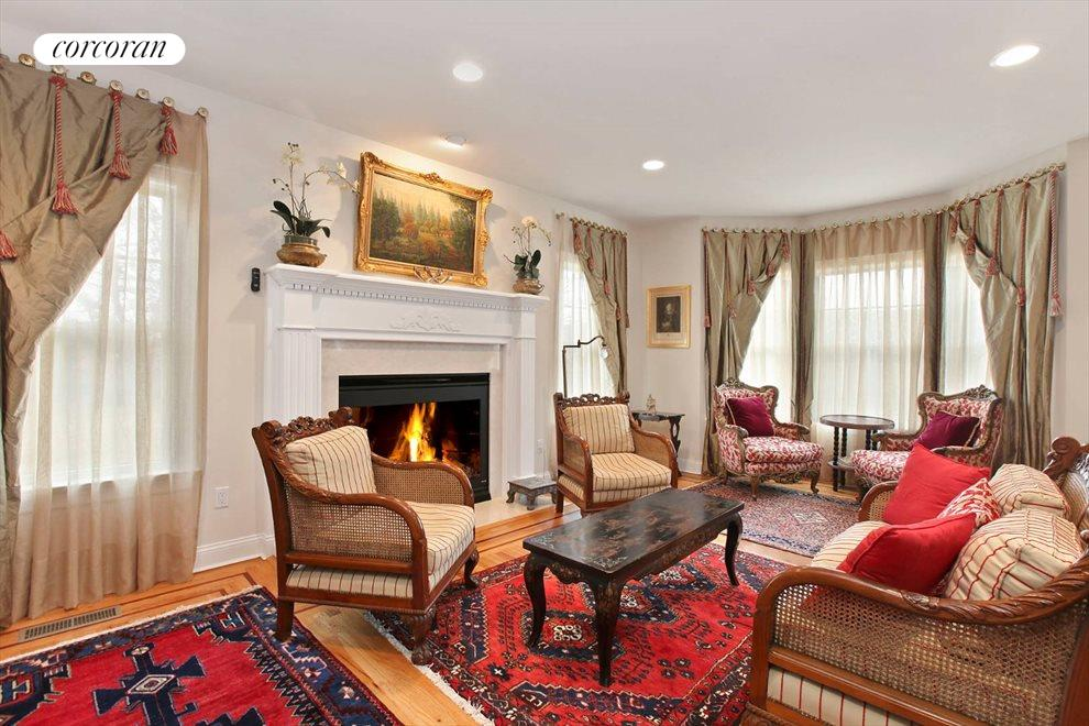 The Hamptons Real Estate | View 15 Parrish Pond Lane | Private Study