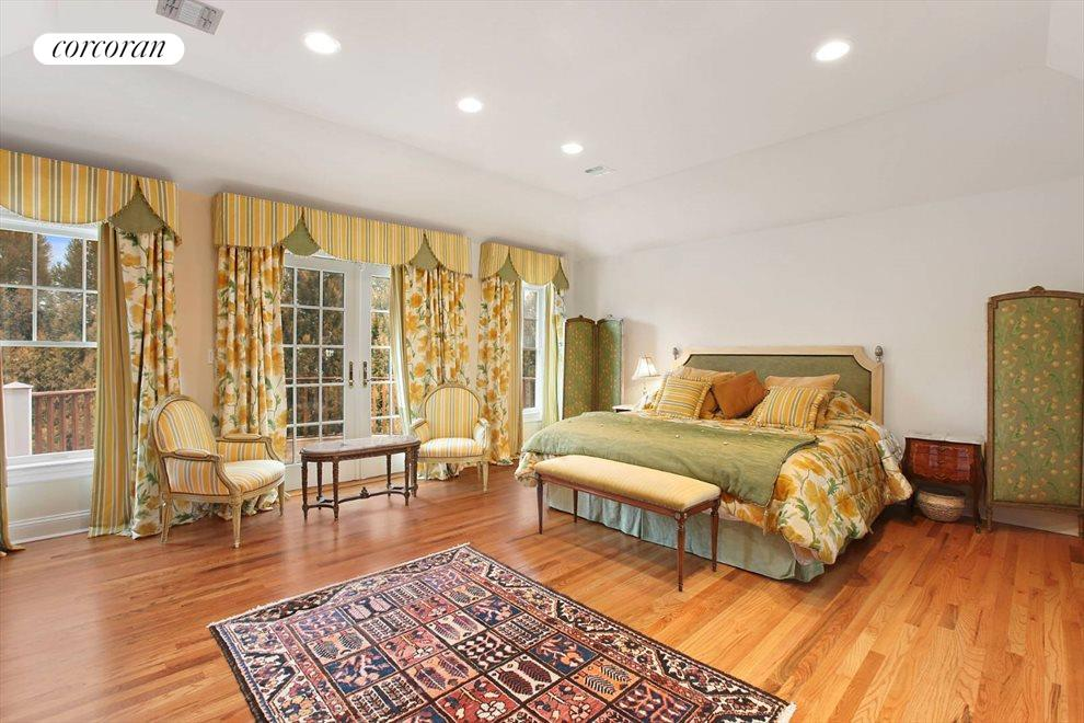 The Hamptons Real Estate | View 15 Parrish Pond Lane | Master Suite