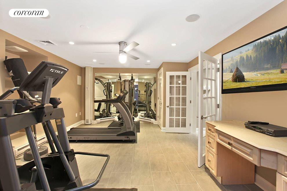 The Hamptons Real Estate | View 15 Parrish Pond Lane | Gym