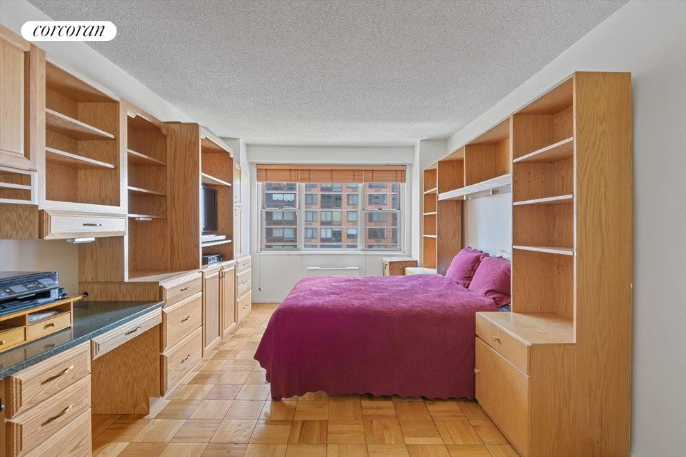 New York City Real Estate | View 300 East 40th Street, #11N | room 2