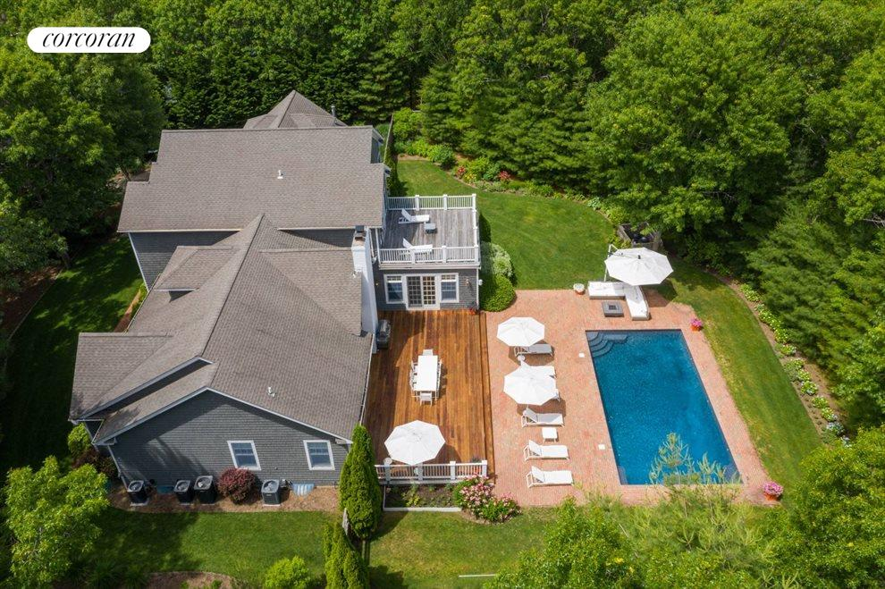 The Hamptons Real Estate | View 18 Noelles Lane | Private
