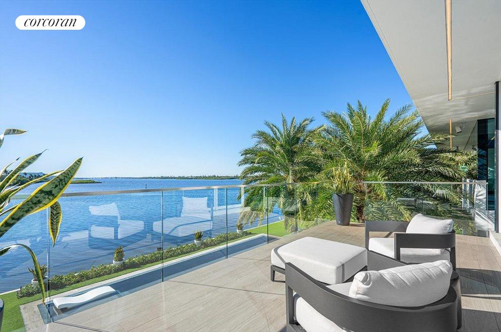 South Florida Real Estate | View 2299 Ibis Isle Road | room 23
