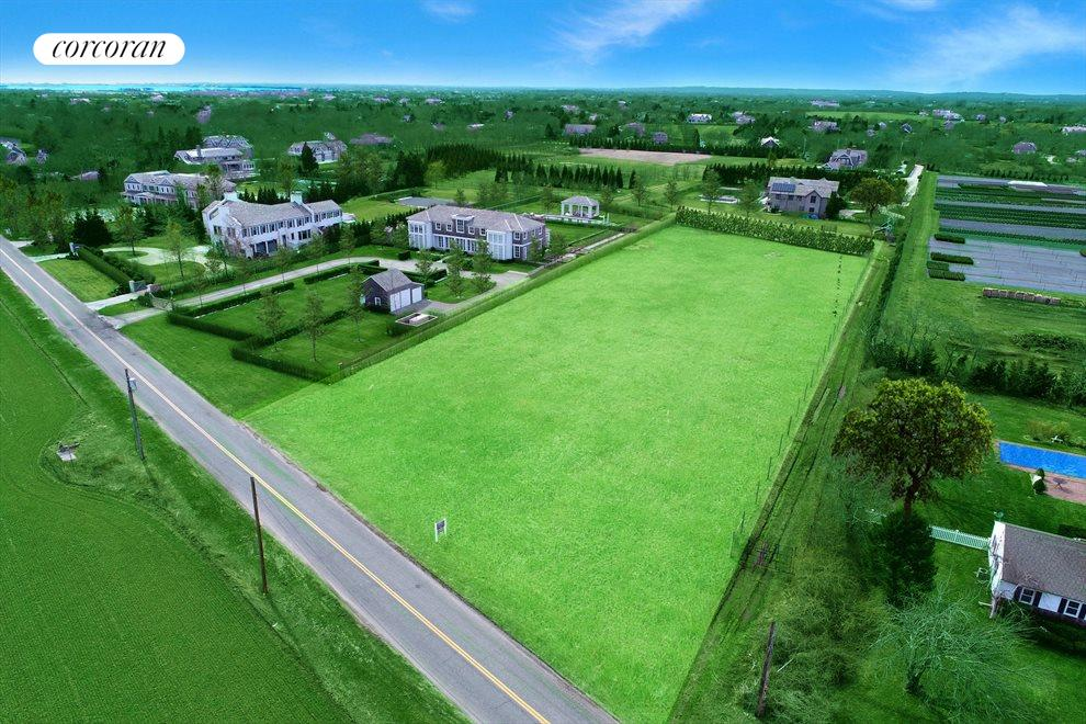The Hamptons Real Estate | View 102 Highland Terrace | room 2