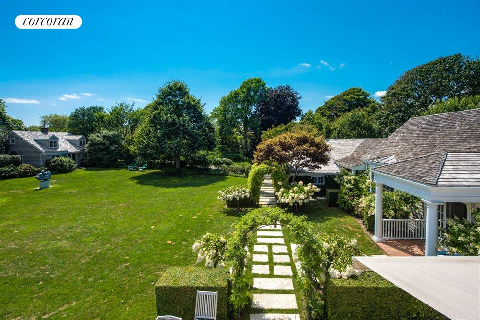 The Hamptons Real Estate | View 45 Highway Behind the Pond | room 8