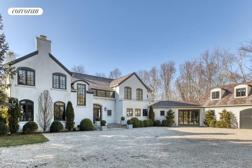 The Hamptons Real Estate | View 5 North Bay Lane | 6 Beds, 5 Baths