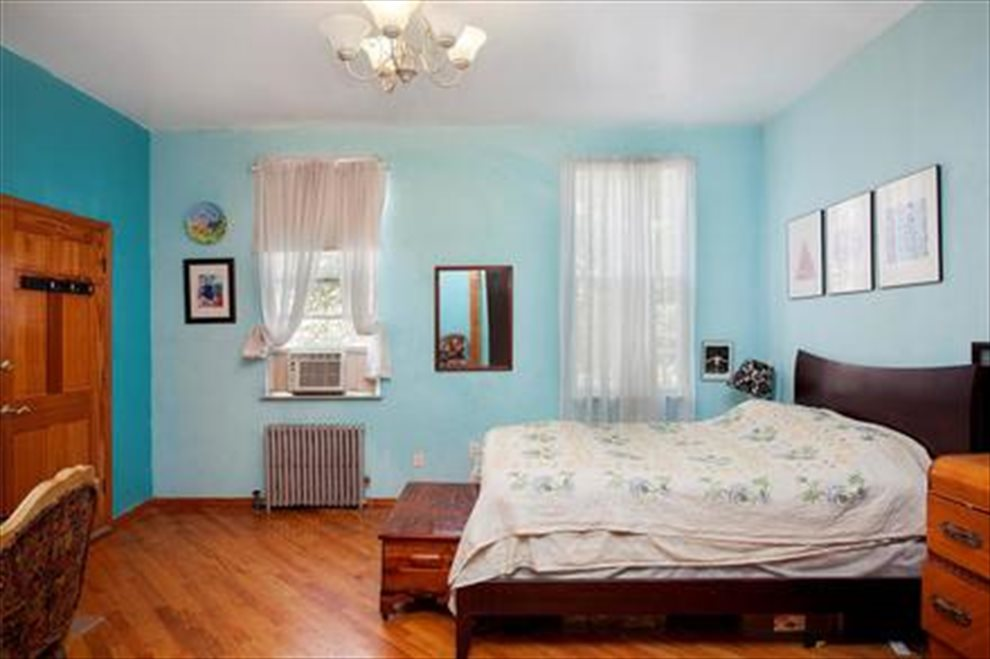 New York City Real Estate | View Freeman Street | room 11