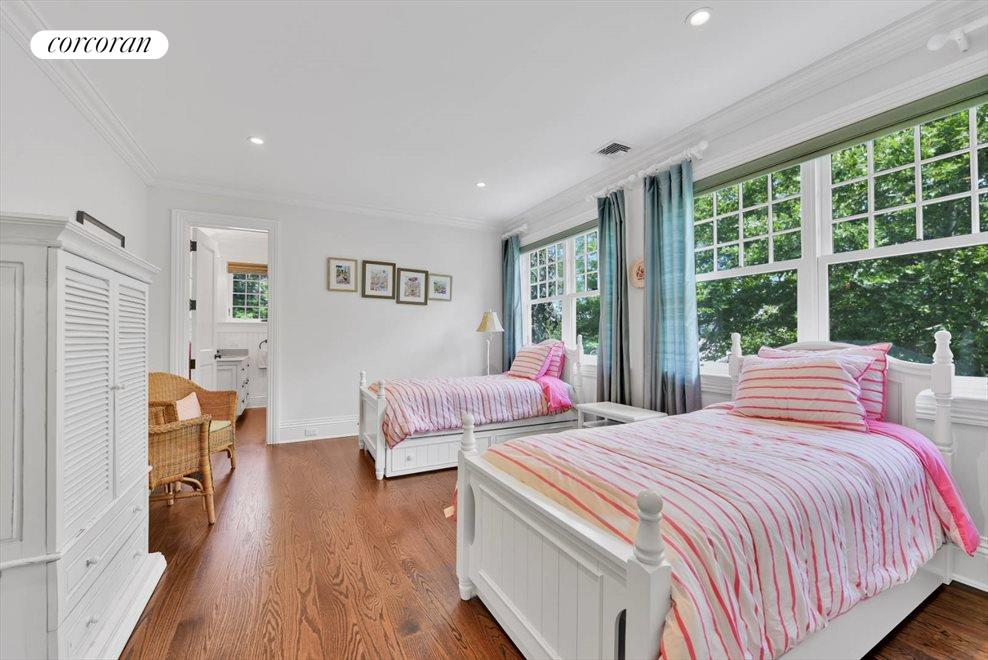 The Hamptons Real Estate | View 17 Toylsome Place | room 26