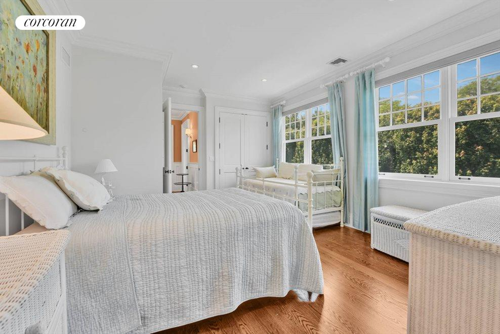 The Hamptons Real Estate | View 17 Toylsome Place | room 27