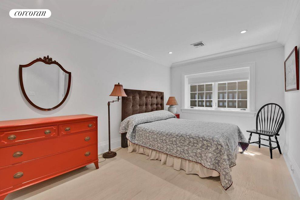 The Hamptons Real Estate | View 17 Toylsome Place | room 31