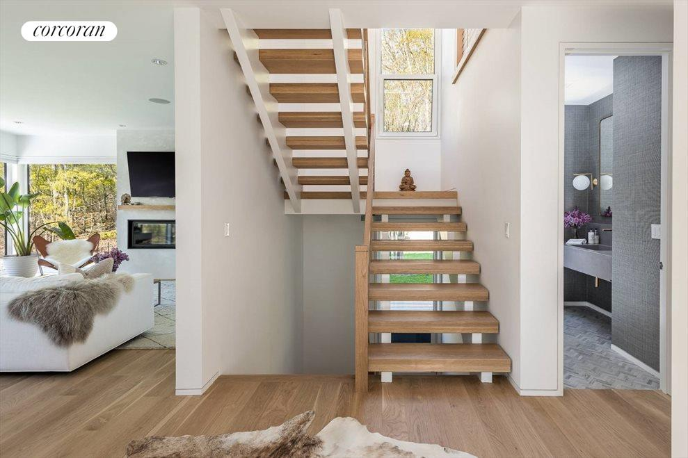 The Hamptons Real Estate | View 29 Margaret Drive | Staircase
