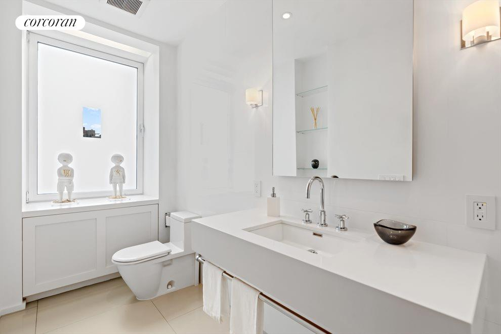New York City Real Estate | View 137 Riverside Drive, #6/7D | Powder Room