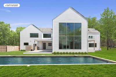 The Hamptons Real Estate | View 25 Quarty Circle | 8 Beds, 9 Baths